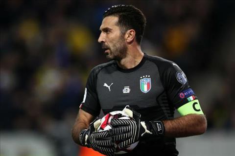 Buffon Toi se choi cho DT Italia toi nam 60 tuoi hinh anh