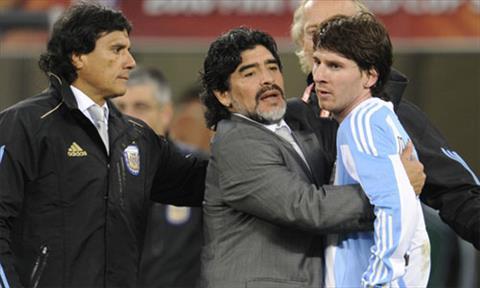 Vua bong da Maradona muon tro lai dan dat tuyen Argentina  hinh anh
