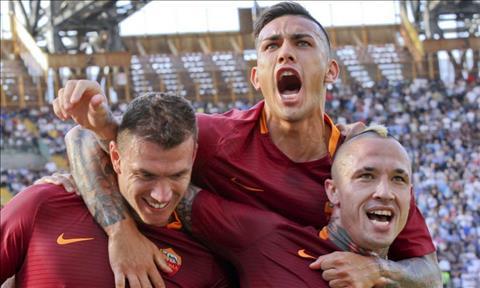 Roma 2-1 Lazio Derby della capitale dich thuc hinh anh