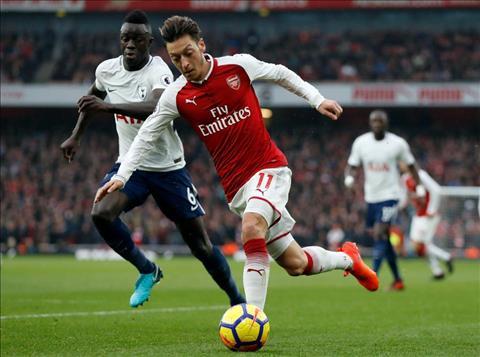 Sao Arsenal ha he khi Ozil dap tra chi trich hinh anh