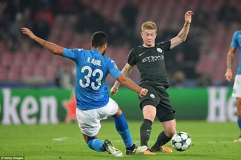 Nhung ky luc an tuong trong tran Napoli 2-4 Man City hinh anh 2