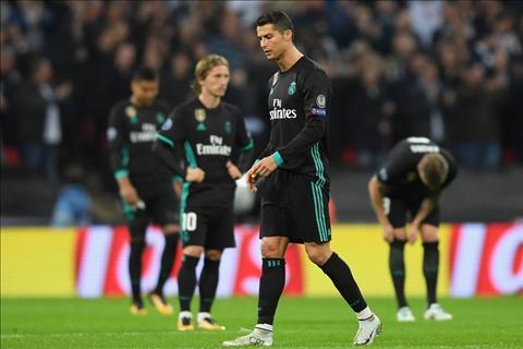 Tien dao Cristiano Ronaldo noi ve viec Real sa sut hinh anh 2