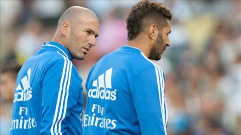 HLV Zidane canh bao tien dao Karim Benzema hinh anh 2
