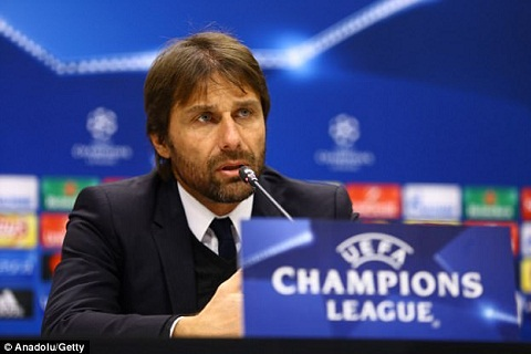 Conte bao ve Liverpool sau tham hoa Sevilla hinh anh