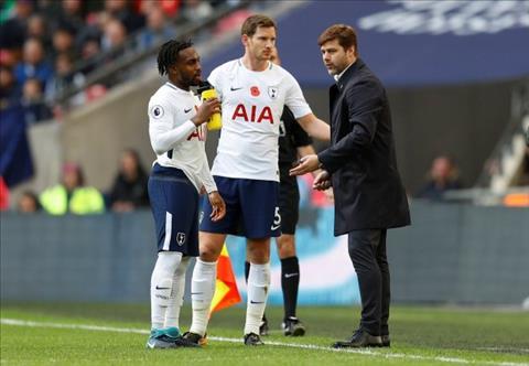 Pochettino dap tra ve con gian cua hoc tro Tottenham hinh anh