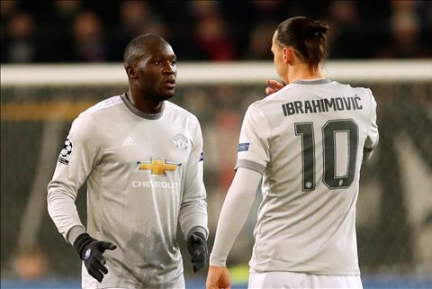 Lukaku va Ibrahimovic chan thuong Van may cho MU hinh anh
