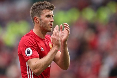Mourinho ra quyet dinh ve tuong lai cua Carrick hinh anh