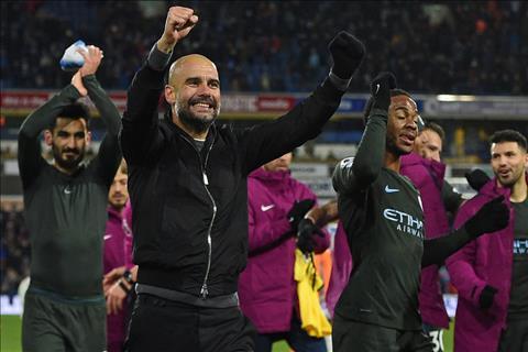Huddersfield 1-2 Man City Niem hanh dien chua tung co cua Pep hinh anh 3