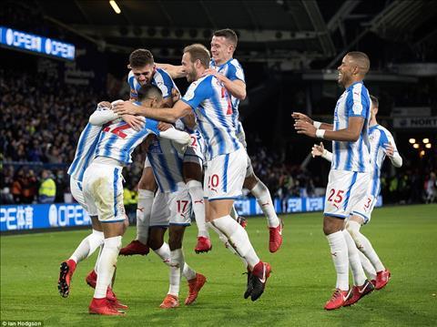 Thay gi sau tran Huddersfield 1-2 Man City hinh anh