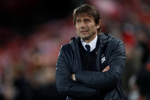 AC Milan bi mat dam phan voi HLV Antonio Conte  hinh anh