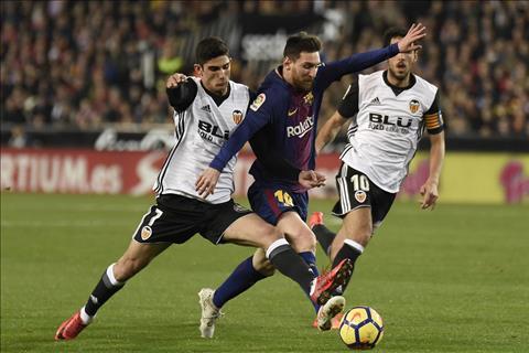 Thay gi sau tran dau kich tinh Valencia 1-1 Barcelona hinh anh 4