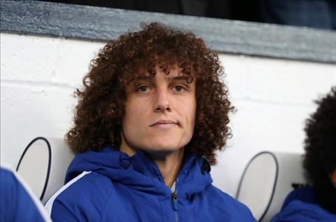Arsenal co the cuop David Luiz khoi Chelsea hinh anh