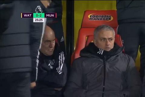 Jose Mourinho va uoc muon cho Young tre lai hinh anh