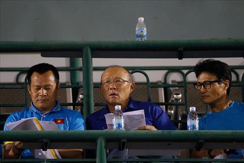HLV Park Hang Seo du khan giai U21 quoc gia, Bui Tien Dung mac sai lam ngo ngan hinh anh