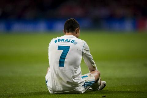 Cristiano Ronaldo sa sut Khi doi chan da moi hinh anh 2