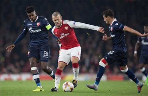 Wilshere o tran dau Arsenal vs Crvena tai Europa League