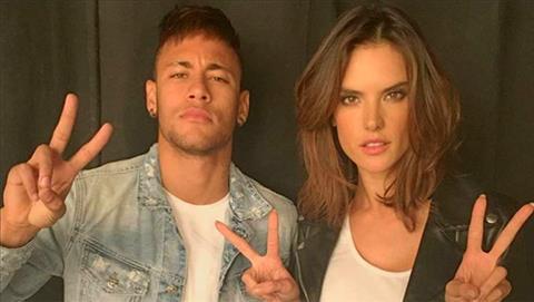 Sieu mau Victorias Secret muon cuoi Neymar va hon Ronaldo hinh anh 2