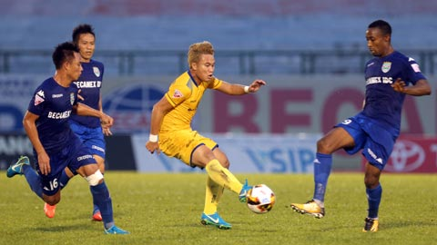 Nhan dinh SLNA vs Binh Duong 17h00 ngay 3011 (Chung ket cup quoc gia 2017) hinh anh