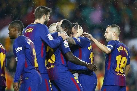 Barca 2-1 Sevilla Doi chu san Camp Nou lap ky luc hinh anh 2
