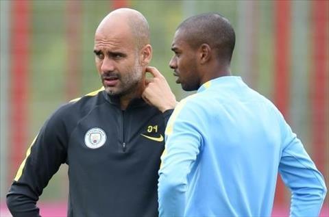 Man City 3-1 Arsenal Diem 10 cho tien ve Fernandinho hinh anh 3