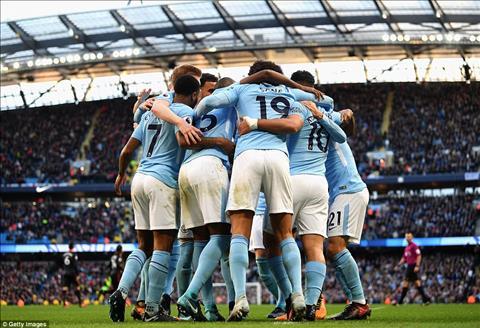 Man City 3-1 Arsenal Diem 10 cho tien ve Fernandinho hinh anh