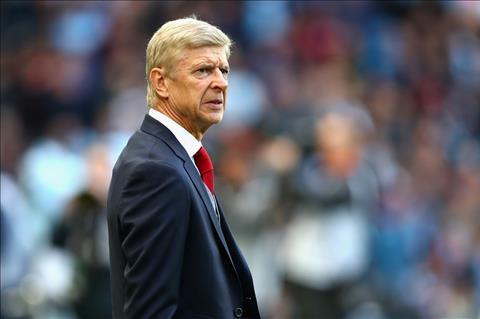Wenger bao ve hoc tro truoc chi trich cua huyen thoai hinh anh