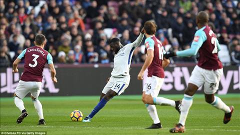 Bakayoko Chan lac nhip va thua thai noi trung tuyen Chelsea hinh anh 3