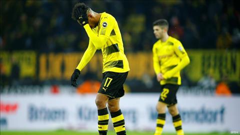Dortmund 1-2 Bremen Dem ngay sa thai Peter Bosz hinh anh