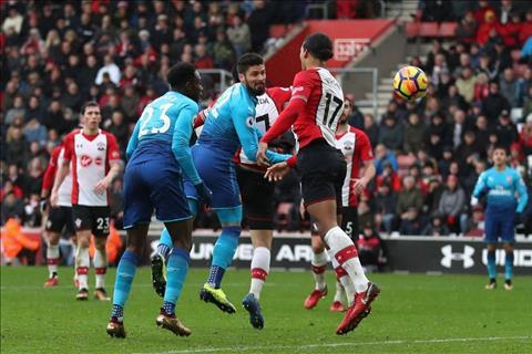 Du am Southampton 1-1 Arsenal Dung goi Wenger la Giao su! hinh anh 4