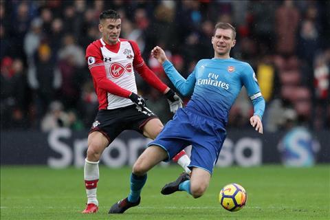 Du am Southampton 1-1 Arsenal Dung goi Wenger la Giao su! hinh anh