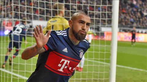 Frankfurt 0-1 Bayern Munich Hum xam chinh thuc vo dich luot di hinh anh