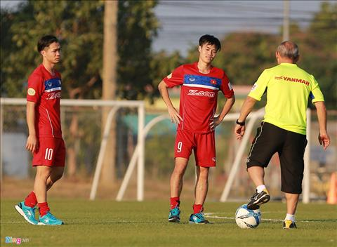 Van Toan chi ra han che cua so do 3-4-3 o U23 Viet Nam hinh anh