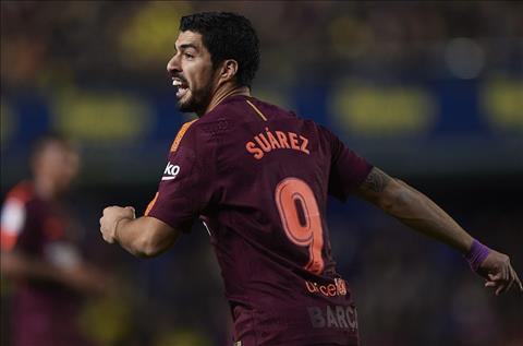 tien dao Suarez ghi ban cho Barca