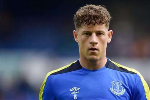 Chelsea hoi mua tien ve Ross Barkley cua Everton hinh anh 2
