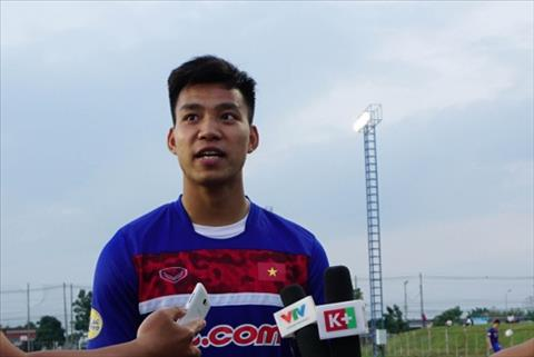 Sao U23 Viet Nam noi gi neu co co hoi choi bong o Thai Lan hinh anh