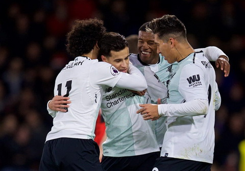 Philippe Coutinho giu tinh than on dinh sau nhung lum xum ve chuyen roi Liverpool trong mua he.