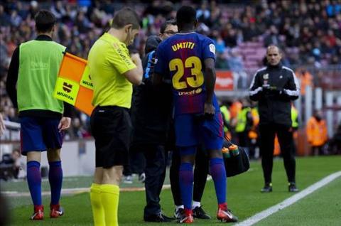 Barca can lam gi sau khi da mat Samuel Umtiti vi chan thuong hinh anh