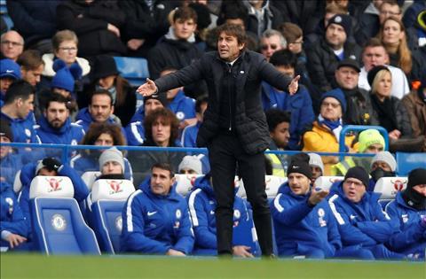 Conte tran tinh ve nhung cu say chan cua Chelsea hinh anh