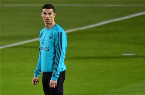 Nong Cristiano Ronaldo co nguy co bo lo El Clasico hinh anh