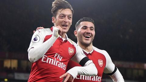 Tien ve Mesut Ozil duoc Barca quan tam hinh anh 2