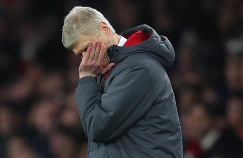 Arsenal tro lai thuong vu mua Riyad Mahrez hinh anh