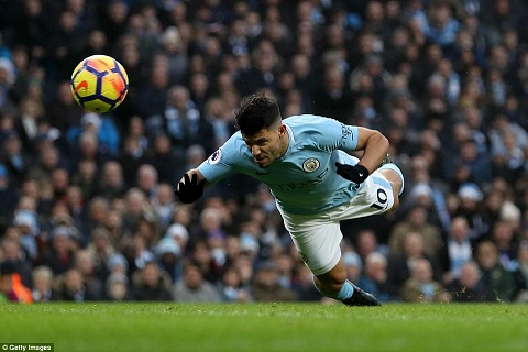 Du am Man City 4-0 Bournemouth Cu ra san la co ky luc hinh anh 2