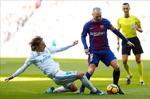 Doi truong Barca lay lai chut si dien cho Real sau El Clasico e che hinh anh