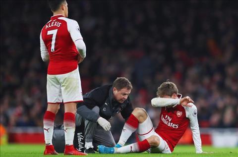 HLV Wenger xac nhan 2 tru cot Arsenal nghi dai han hinh anh