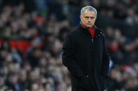 Nguoi cu mach nuoc mua sam cho MU va Mourinho hinh anh