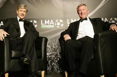 Arsene Wenger can bang ky luc 810 tran tai Premier League cua Sir Alex Ferguson.