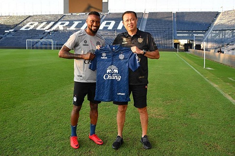 Ngan ngam ngoai binh V-League 2018 Phai day cho ho mot bai hoc hinh anh