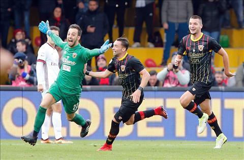 Benevento 2-2 AC Milan Man ra mat cua tan HLV Gattuso bi pha hong boi mot  thu mon hinh anh 2