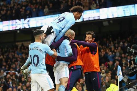 Sau vong 15 Premier League Man City choc tuc ca Premier League hinh anh