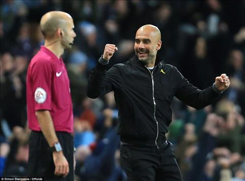 Pep noi gi sau tran Man City 2-1 West Ham hinh anh
